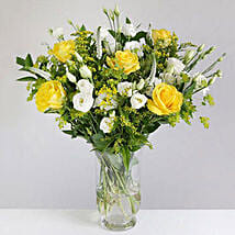 Golden Rose and Lisianthus: Mother's Day Flower Delivery in UK