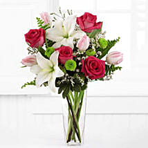 Floral Expressions: Valentine's Day Gifts to USA