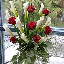 Red Elegance: Valentine's Day Flowers to USA