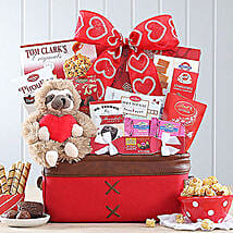 Sweet Selections Basket: Valentine Gifts to Stamford